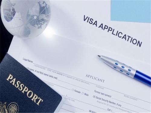 美国留学最新签证政策变化 USCIS暂停接收今年H-1B加急处理图3