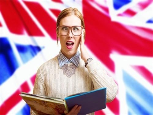 2018英国毕业生工资大起底 帮你解决专业选择困难症!图1
