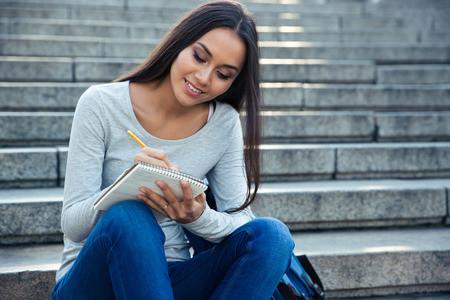 GMAT考试背多少单词才能拿高分?应对词汇记忆2大实用方法讲解图1