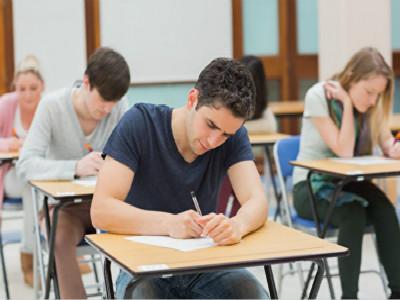 马云高考数学得1分 英国名人在高考中表现如何