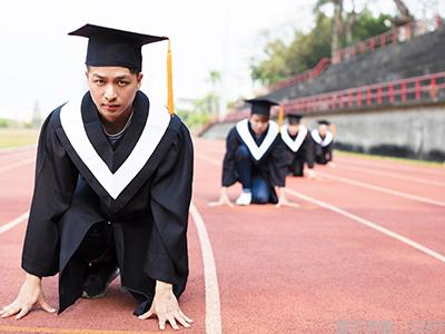 在日留学生求职倾向大企业 留学生内定率低于本国学生图3