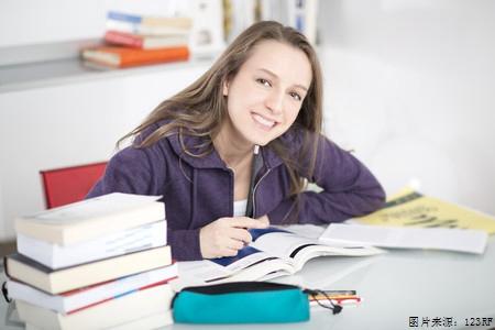 A类雅思写作范文关于学生是否需要兼职及其思路解析图1