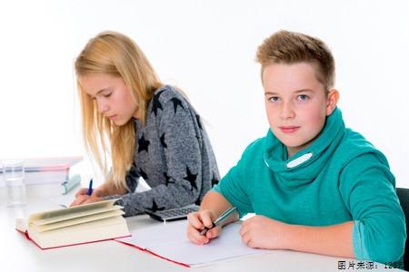 A类雅思写作话题关于大学专业课的讨论及解析图2